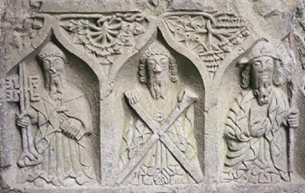 Reliefs (2)