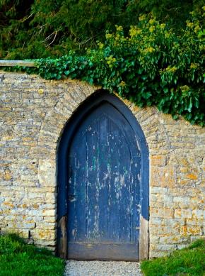 Porta Preta by Tom DarinLiskey