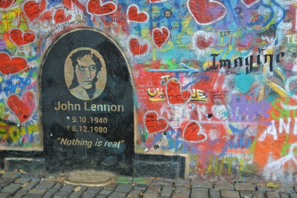 lennon_peace_wall_prague